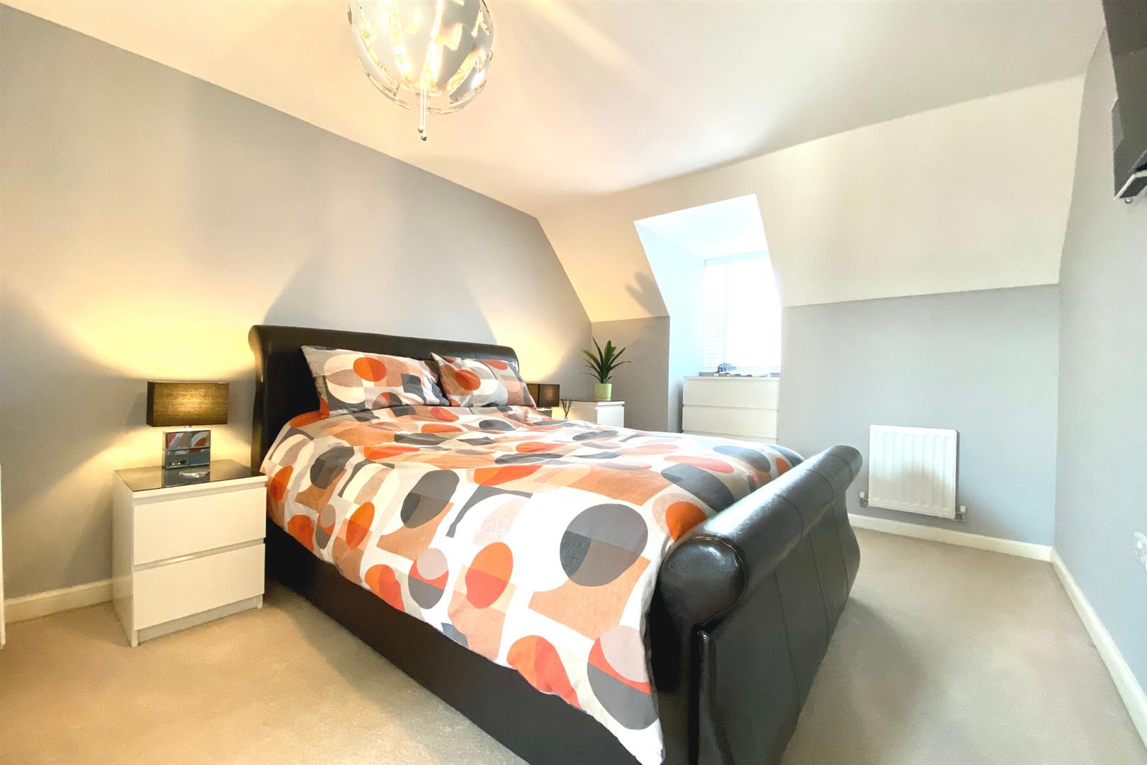 5 bed detached for sale in Three Mile Cross 18