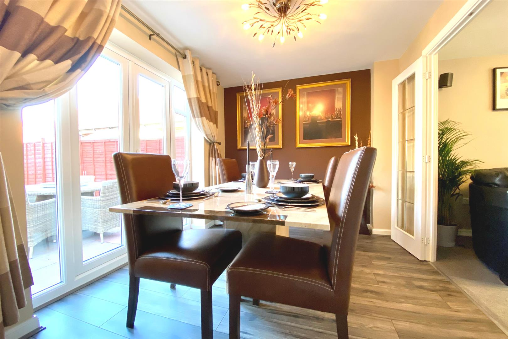 5 bed detached for sale in Three Mile Cross  - Property Image 5