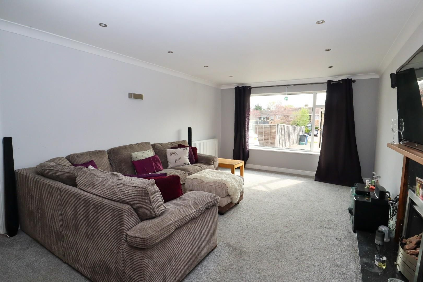 5 bed detached for sale in Blackwater  - Property Image 2