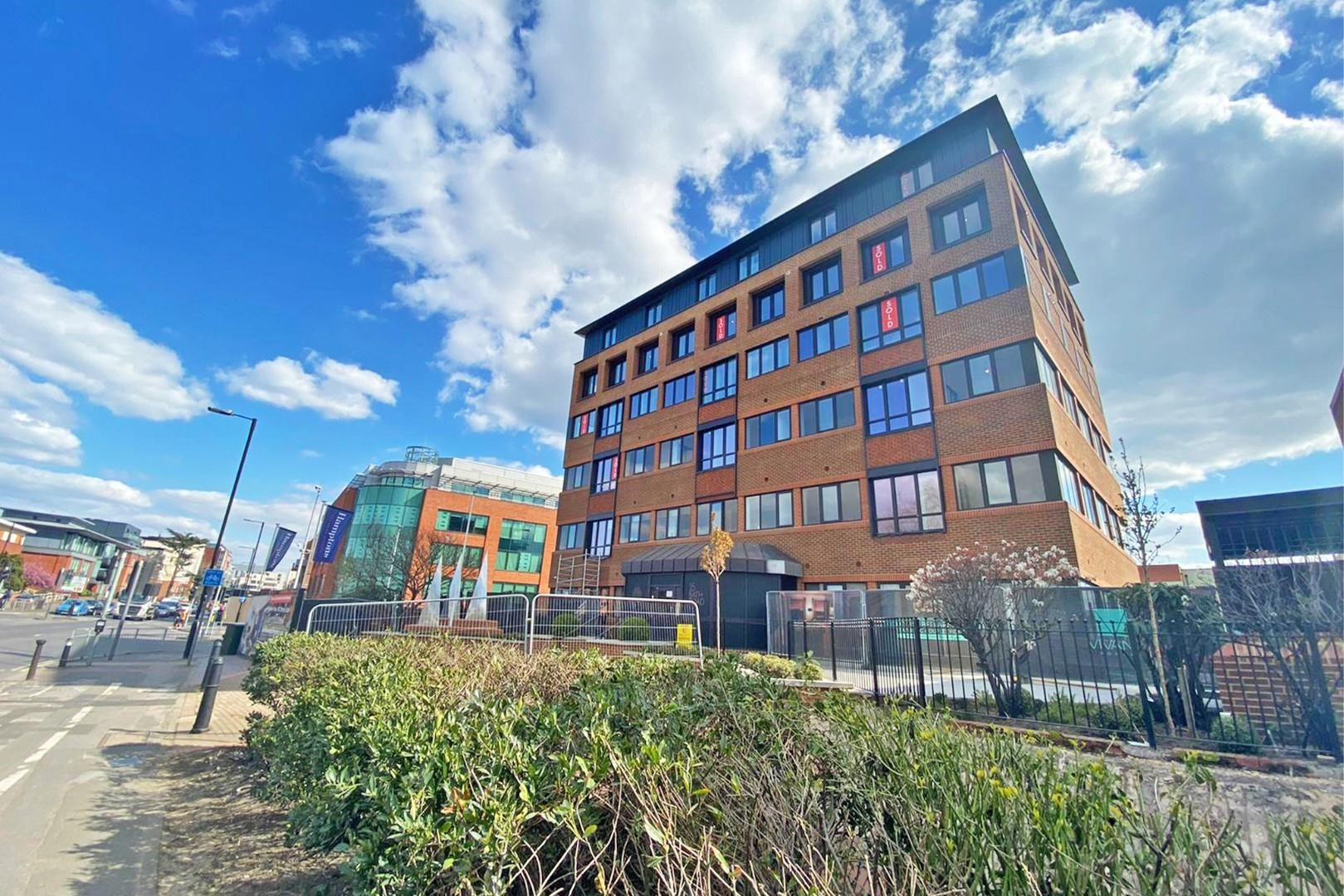 1 bed apartment for sale in Bath Road, SL1