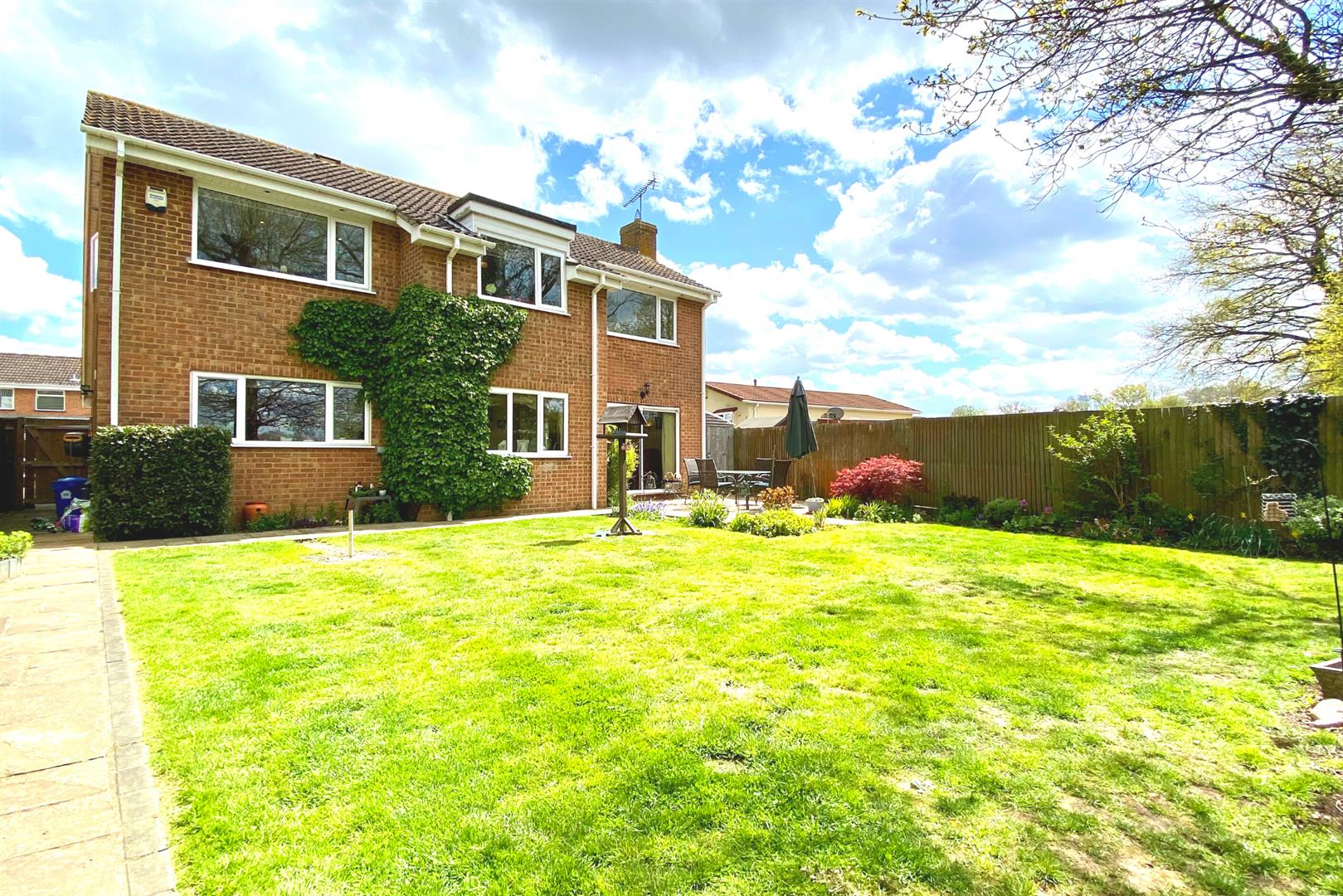 4 bed detached for sale in Winnersh  - Property Image 2