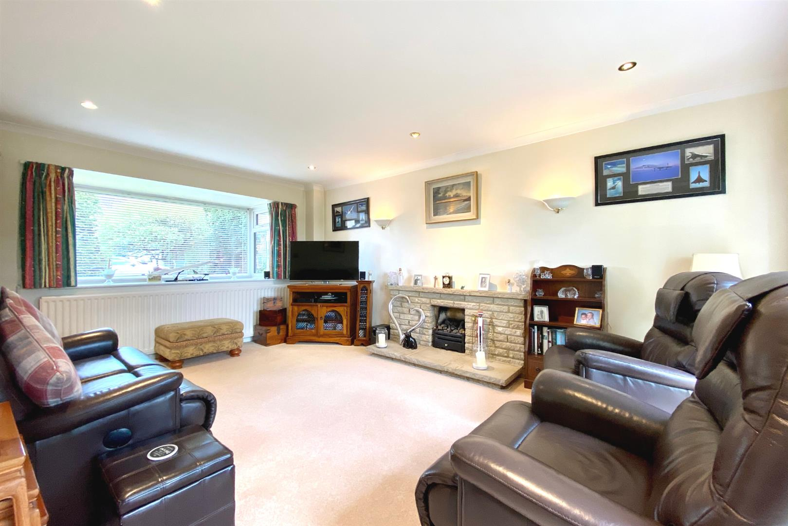 4 bed detached for sale in Winnersh  - Property Image 3