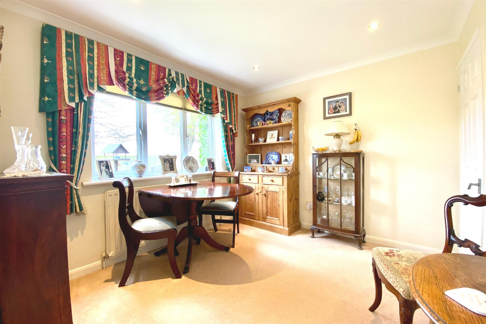 4 bed detached for sale in Winnersh  - Property Image 4