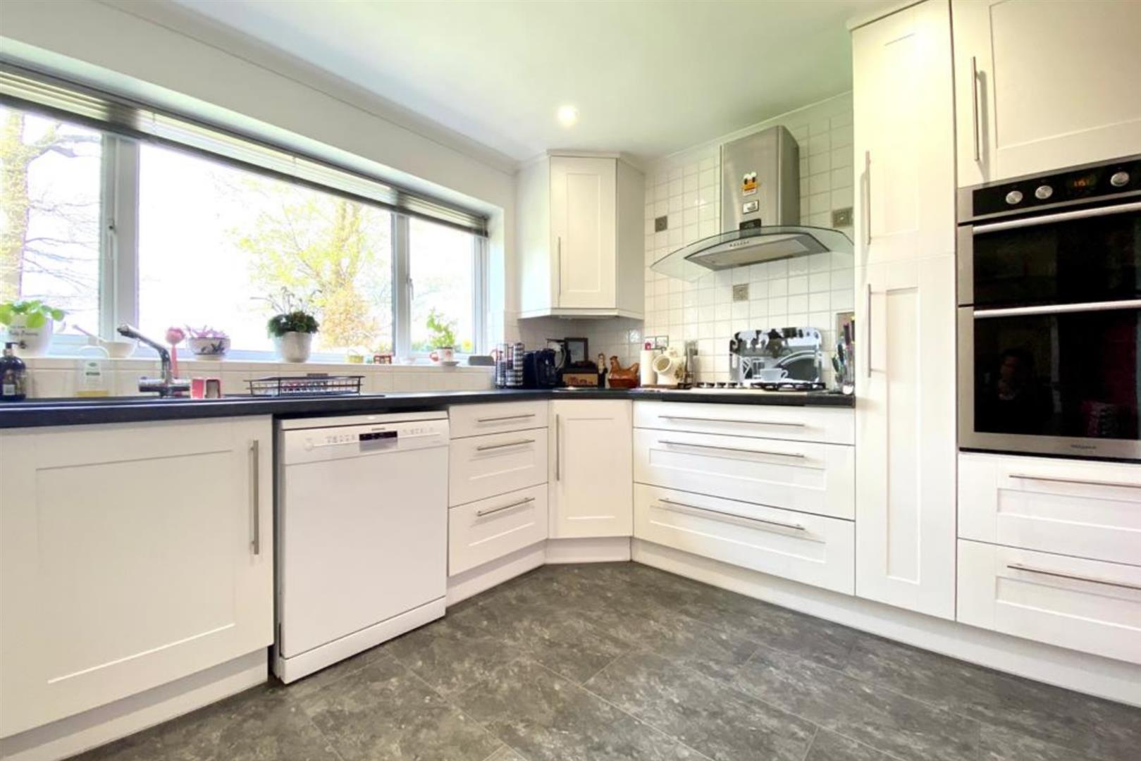 4 bed detached for sale in Winnersh  - Property Image 6