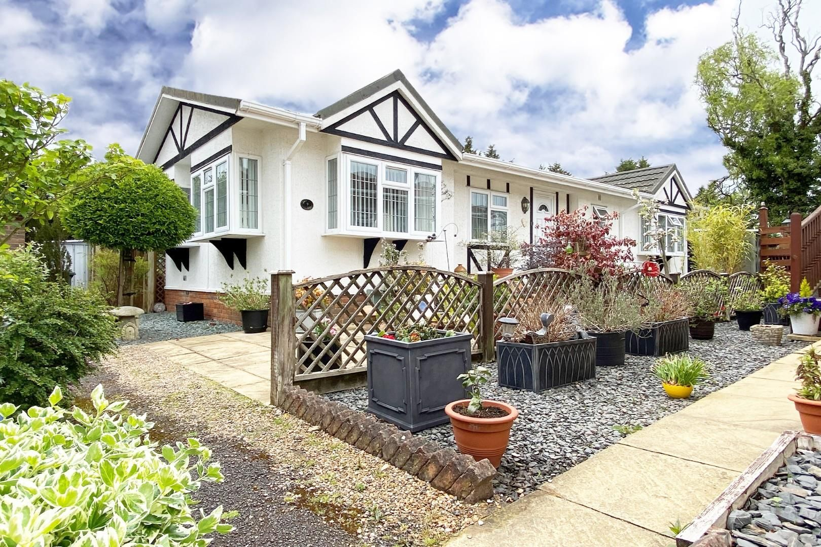 2 bed house for sale in Winkfield, SL4