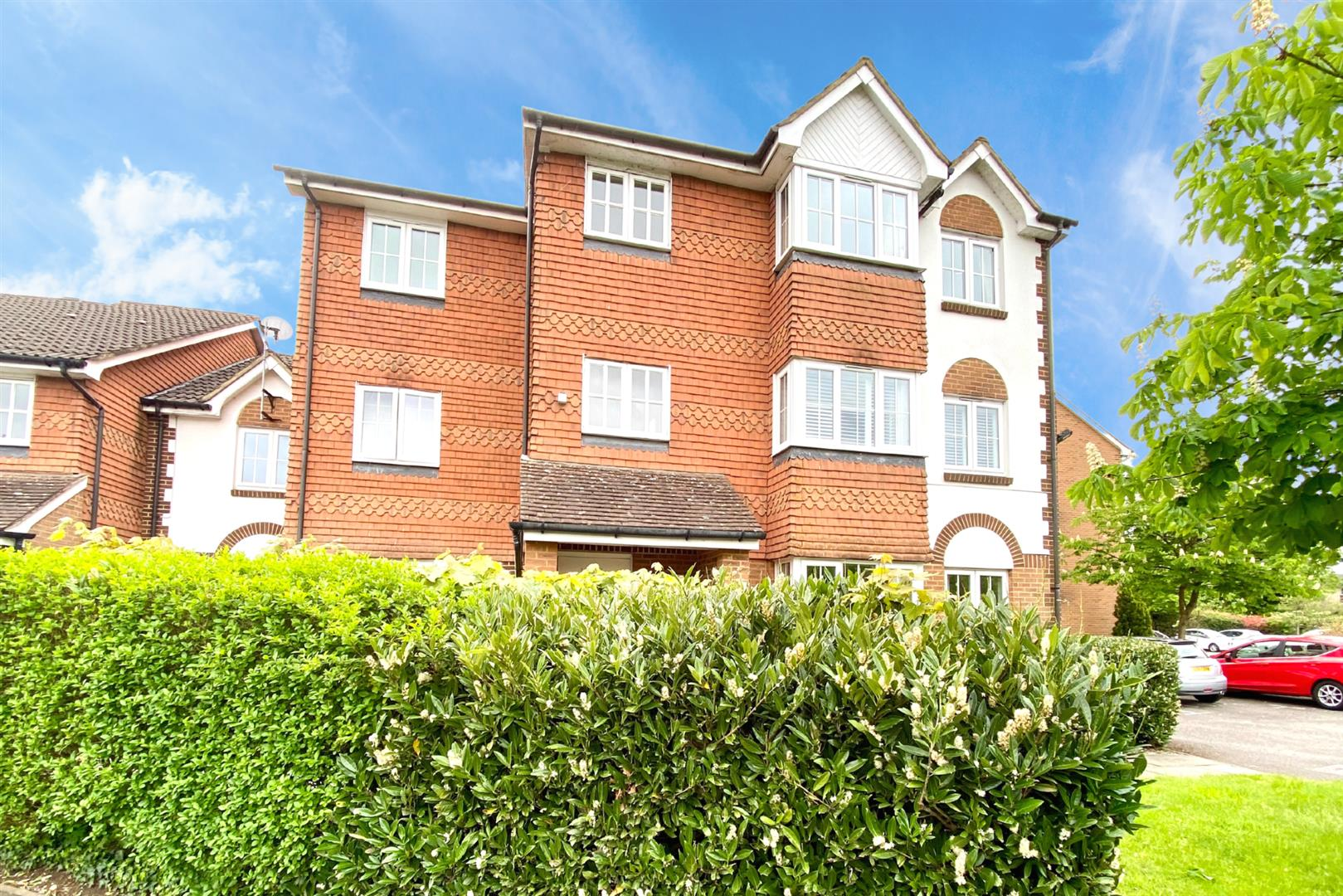2 bed flat for sale, RG30