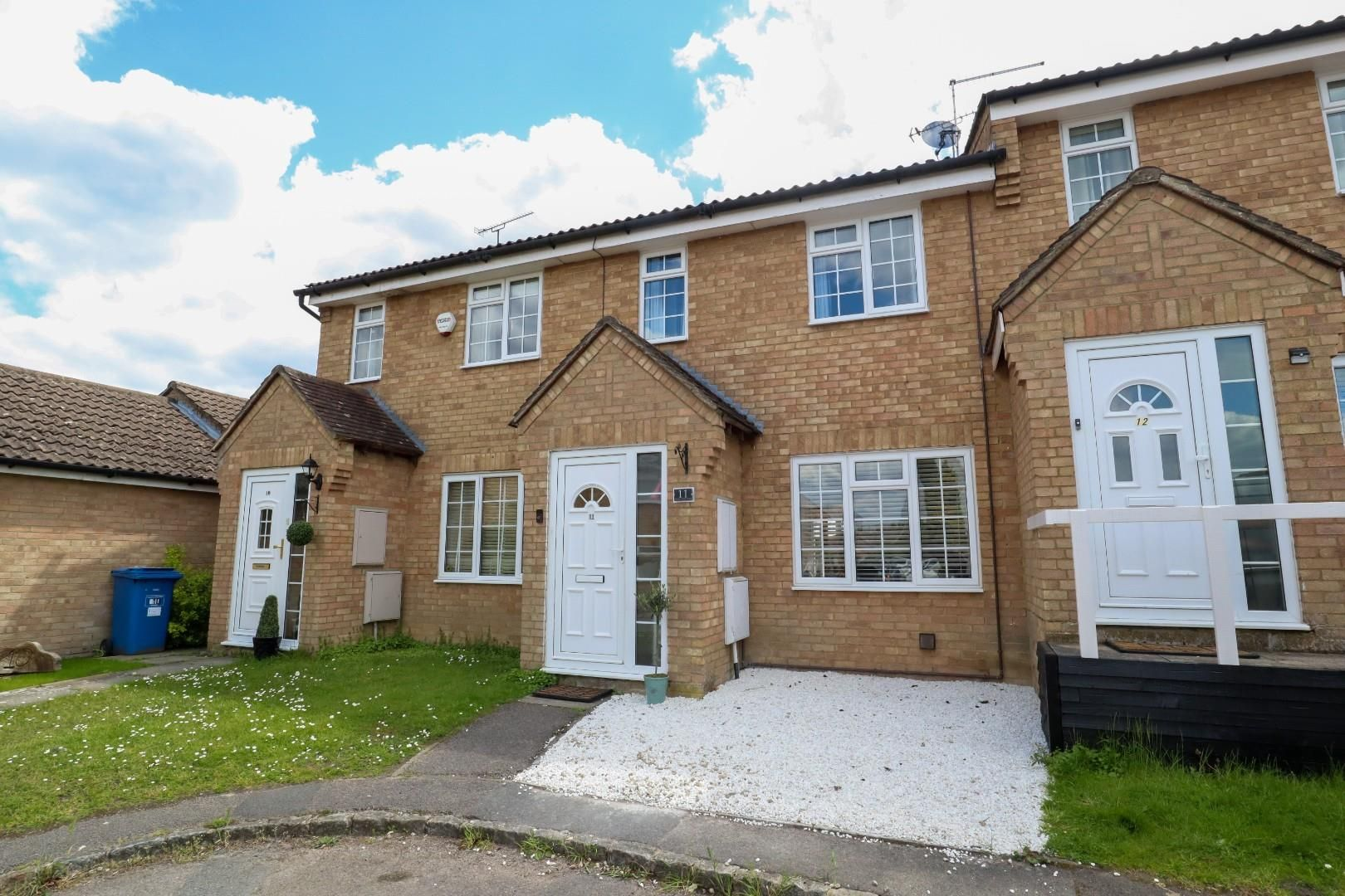 3 bed terraced for sale in Owlsmoor - Property Image 1
