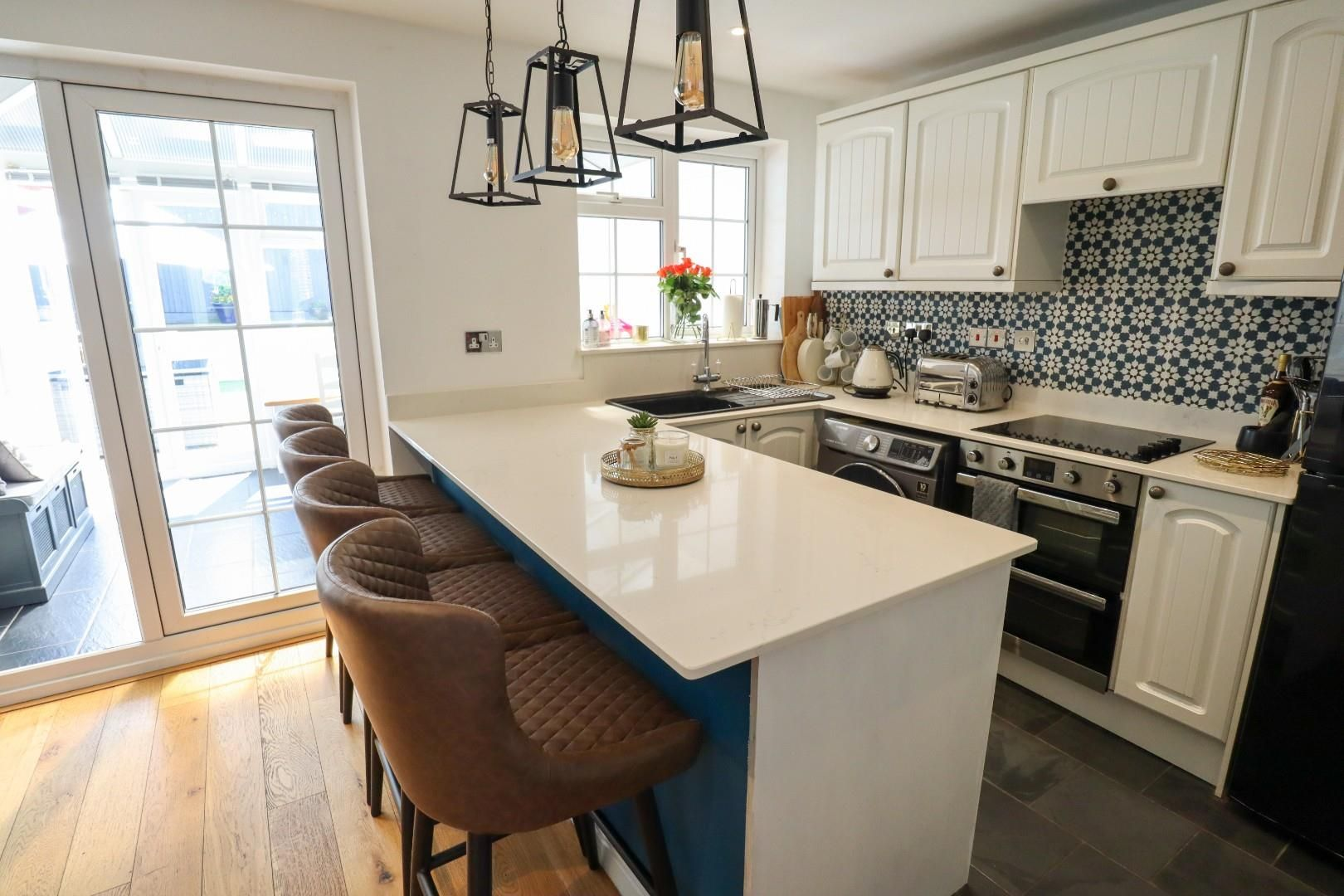 3 bed terraced for sale in Owlsmoor  - Property Image 2