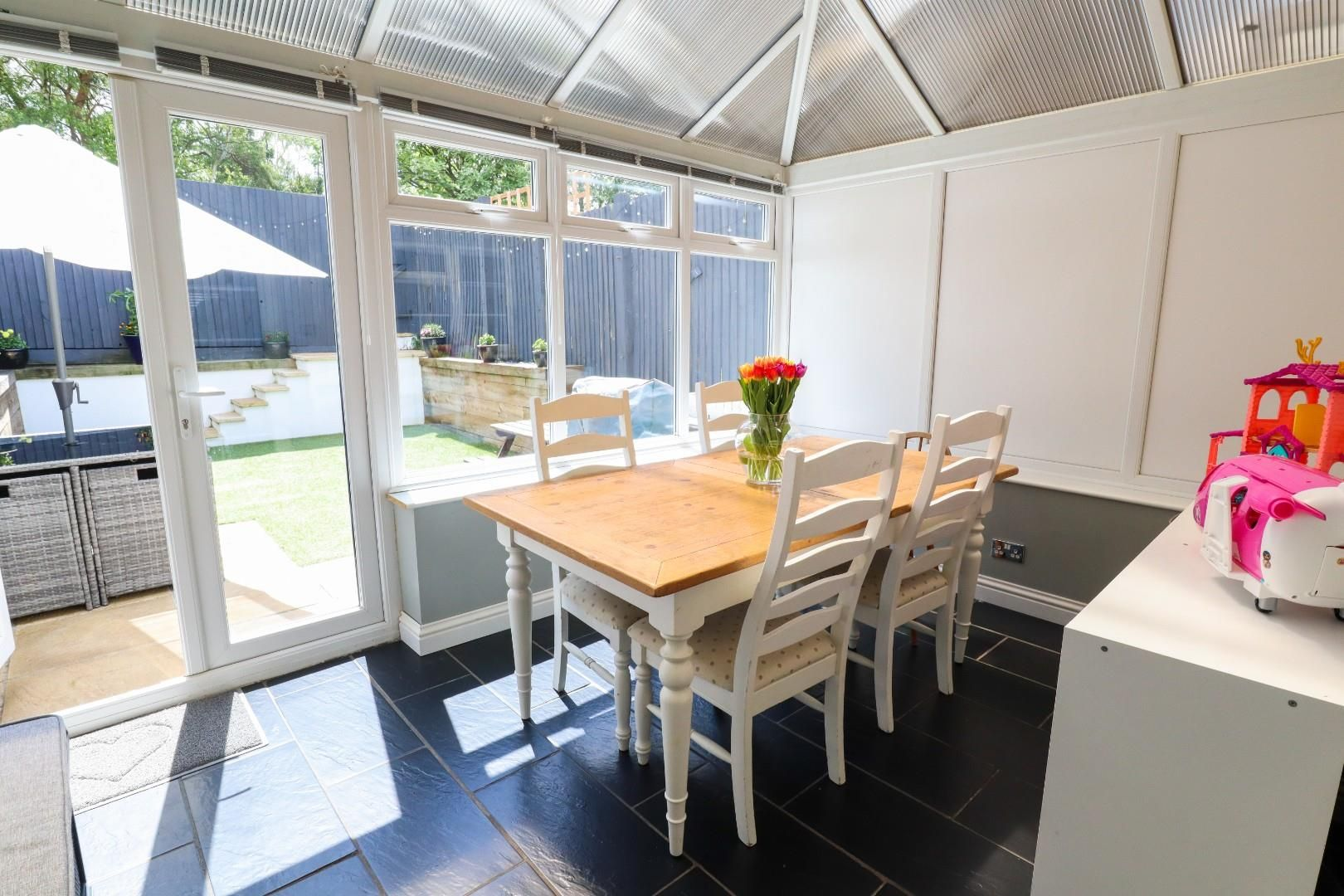 3 bed terraced for sale in Owlsmoor  - Property Image 4