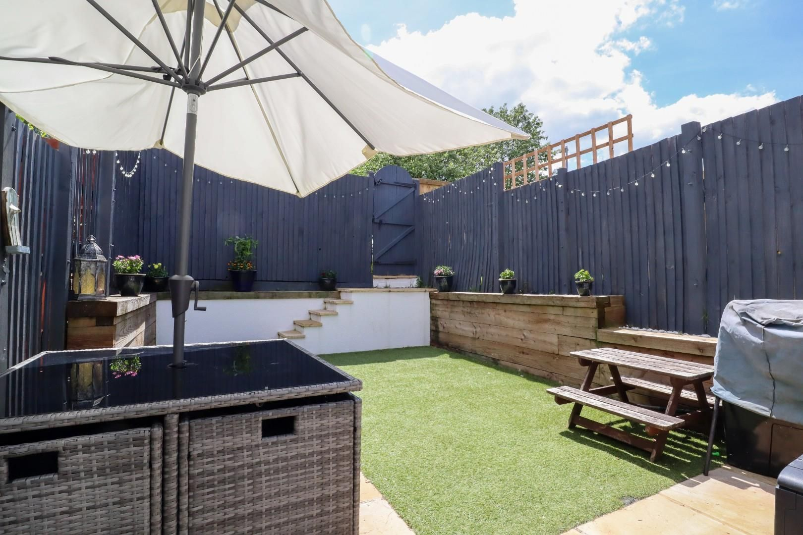 3 bed terraced for sale in Owlsmoor  - Property Image 9