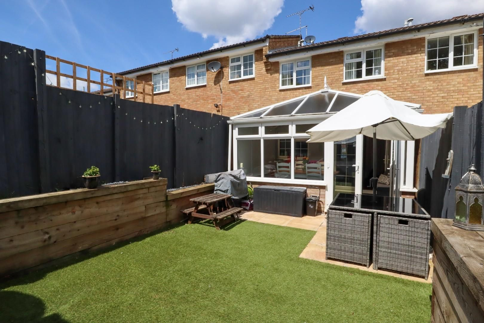 3 bed terraced for sale in Owlsmoor  - Property Image 10