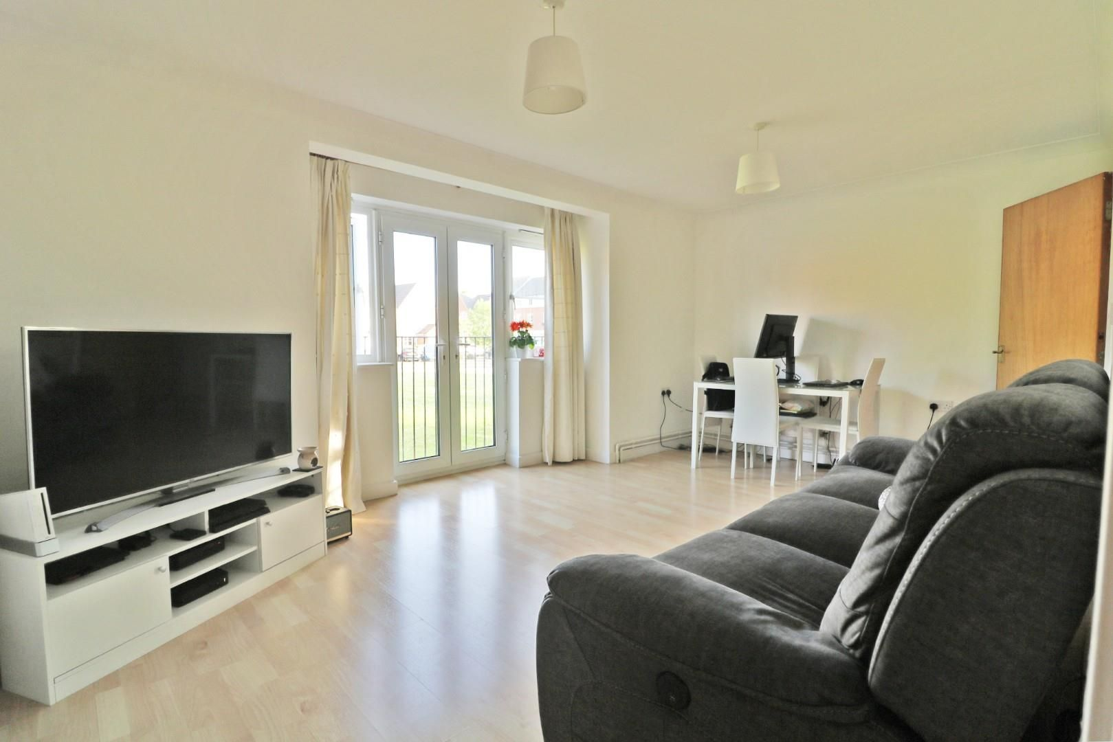 2 bed apartment to rent 2