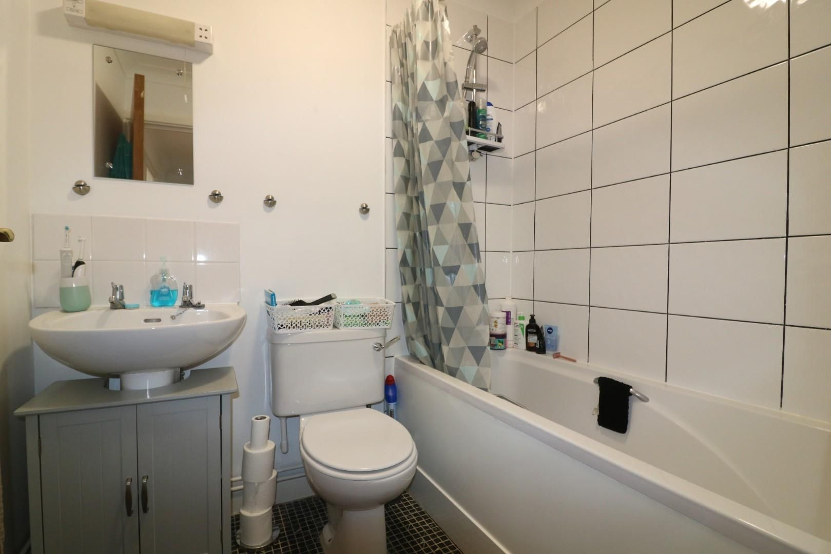 2 bed apartment to rent  - Property Image 4