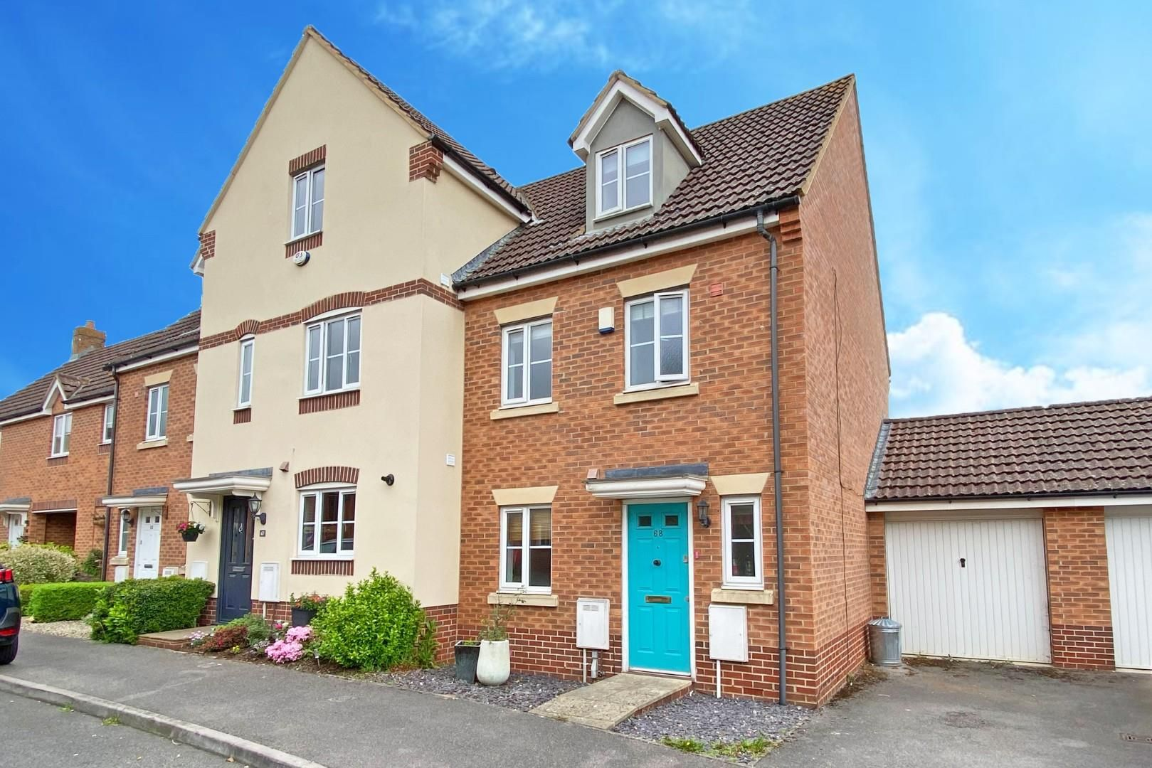 3 bed end of terrace to rent in Shinfield 1