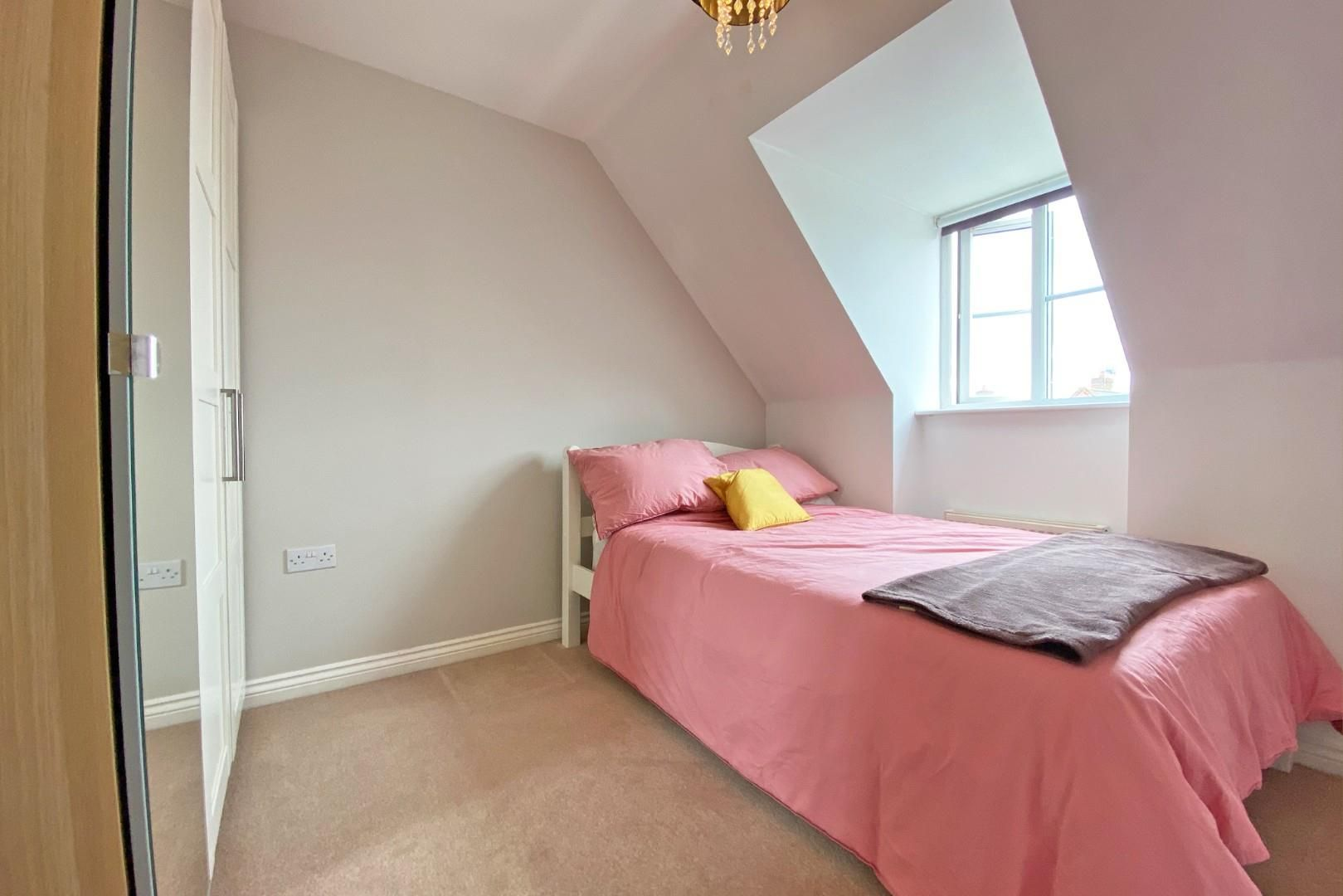3 bed end of terrace to rent in Shinfield 11