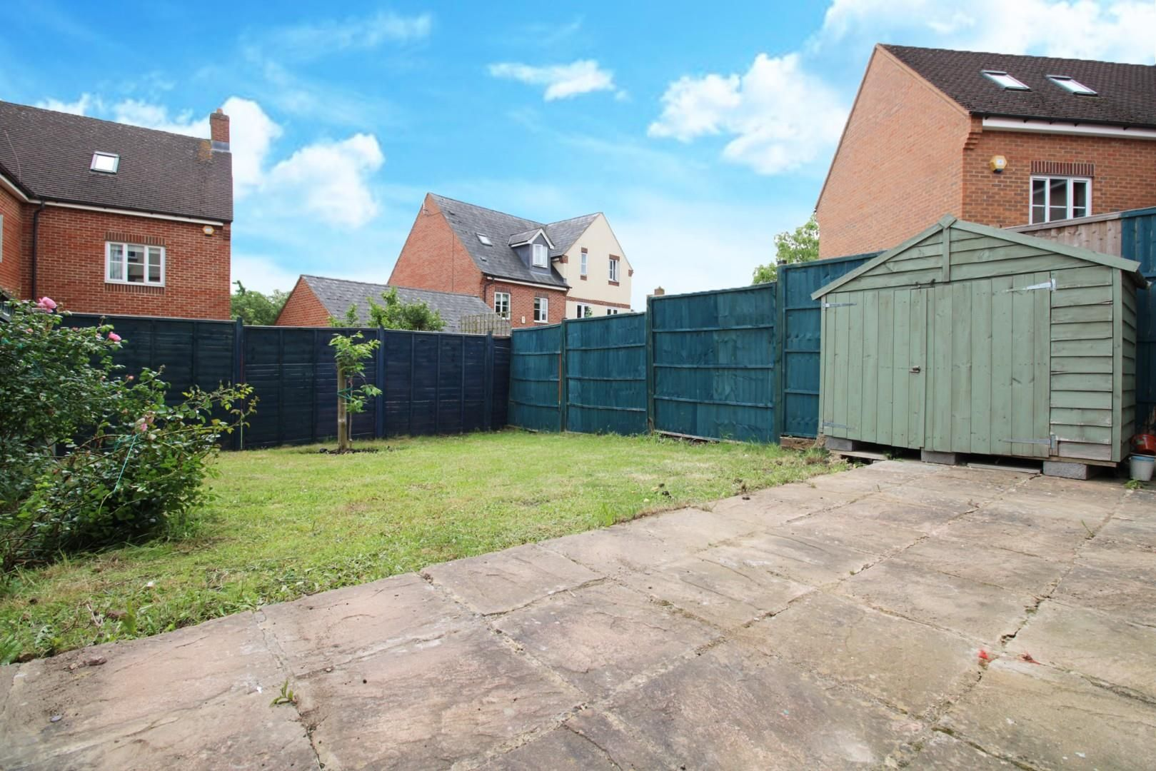 3 bed end of terrace to rent in Shinfield 12
