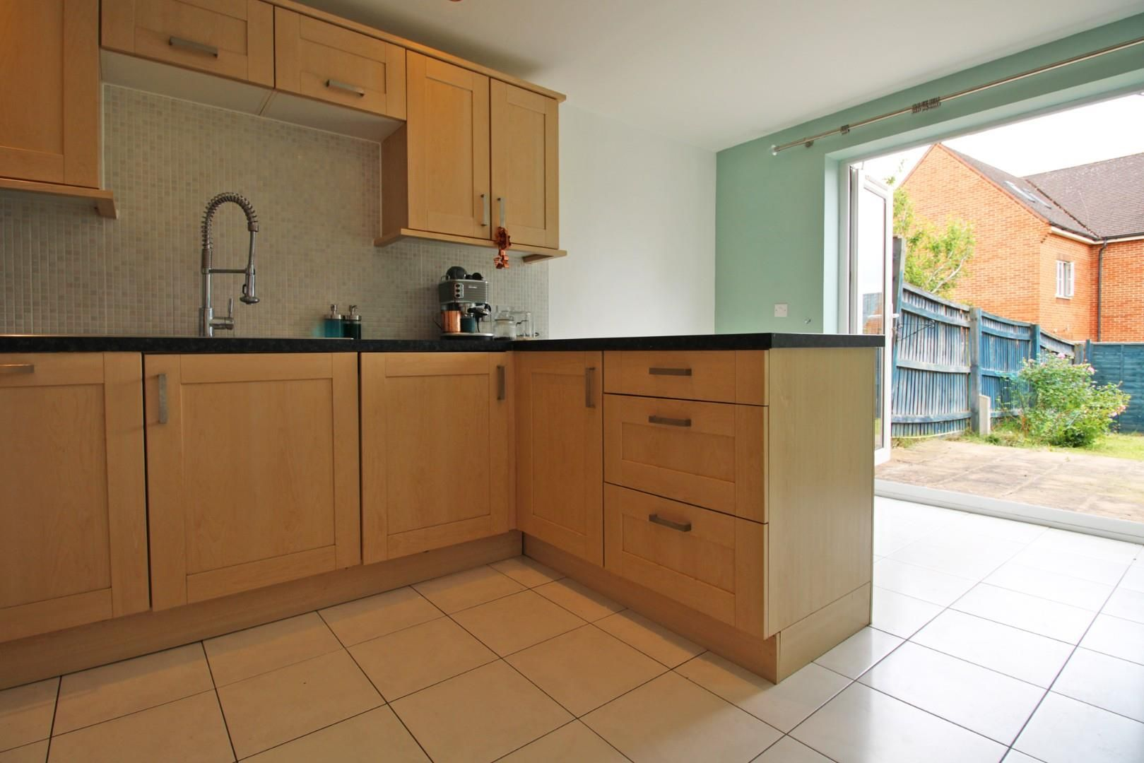3 bed end of terrace to rent in Shinfield 4