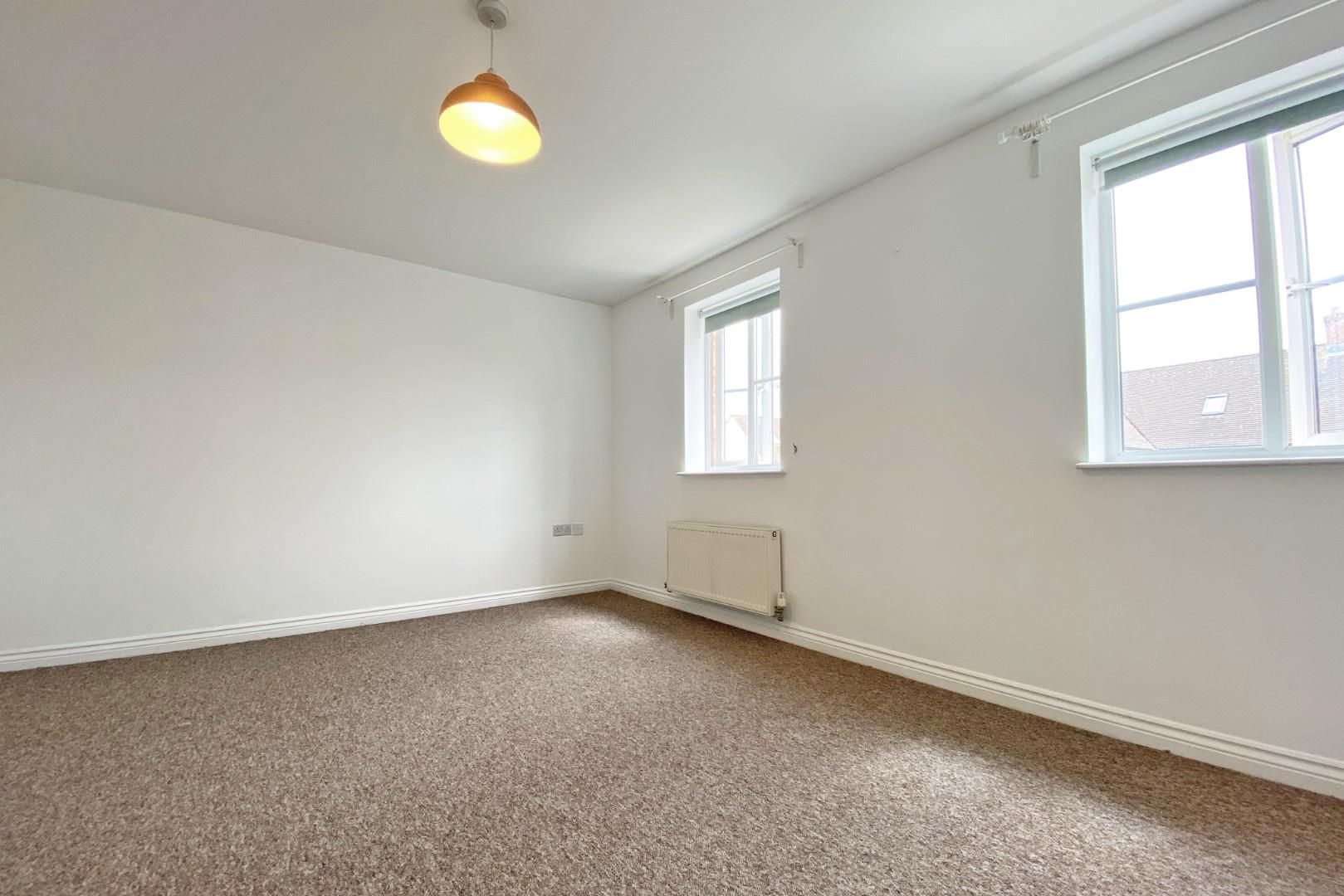 3 bed end of terrace to rent in Shinfield 6