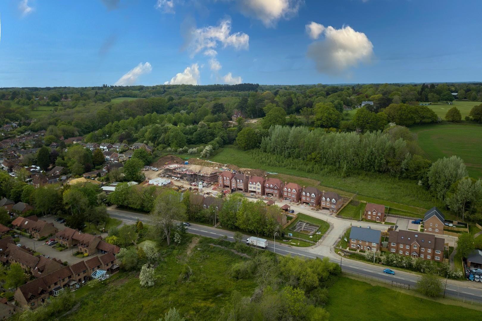 4 bed house for sale in Woolhampton, RG7