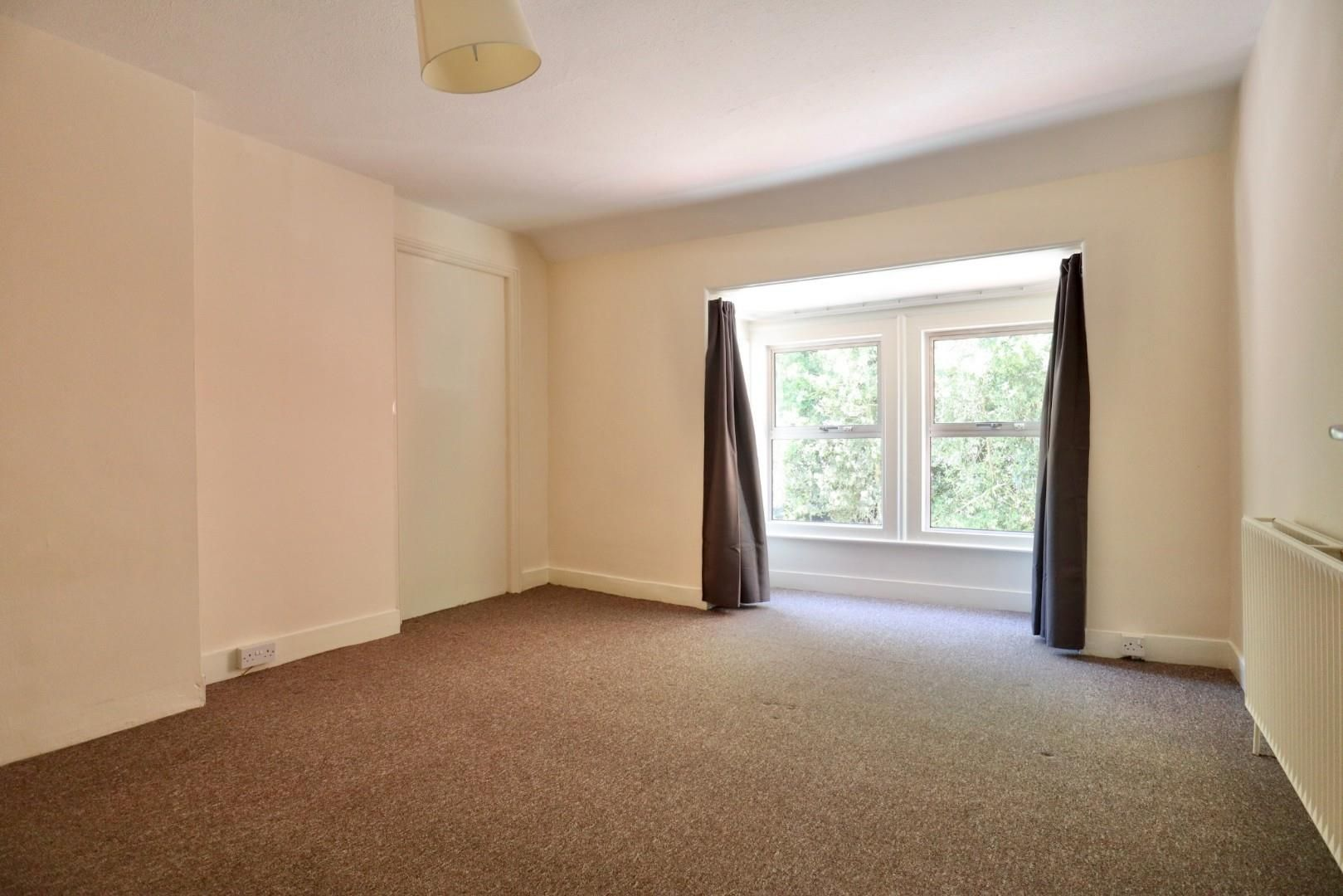 4 bed maisonette to rent  - Property Image 3