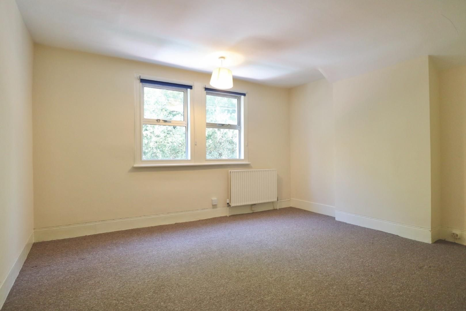 4 bed maisonette to rent  - Property Image 6