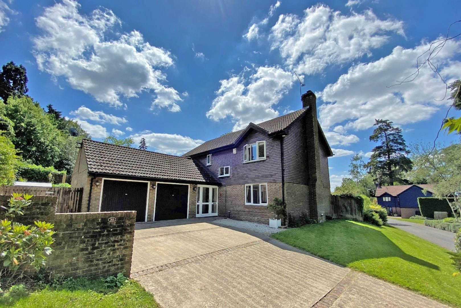 4 bed detached to rent - Property Image 1
