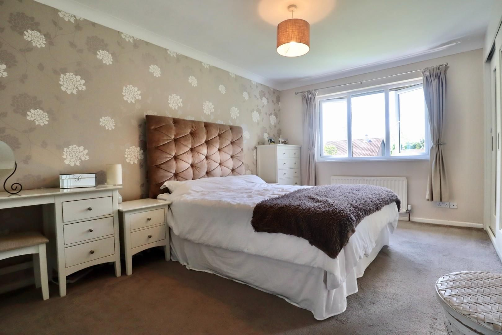 4 bed detached to rent  - Property Image 5