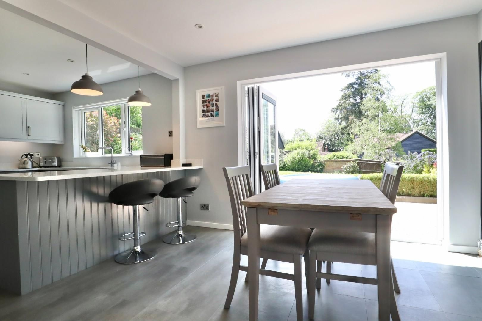 4 bed detached to rent  - Property Image 6