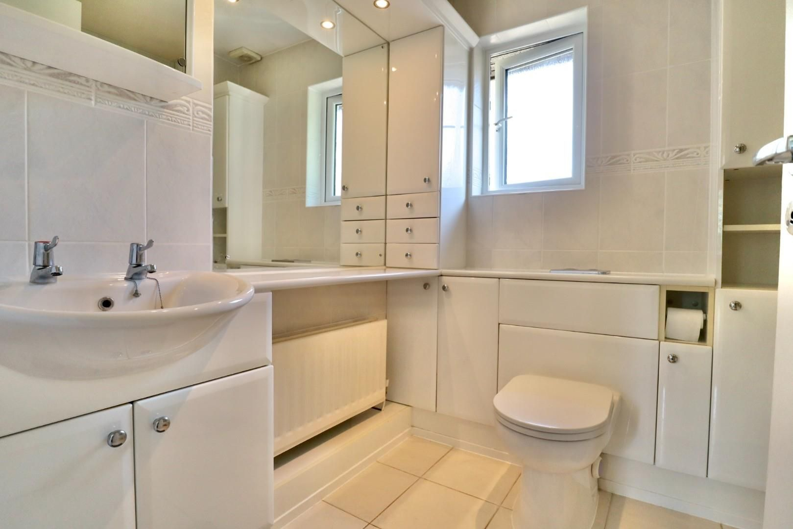 4 bed detached to rent  - Property Image 9