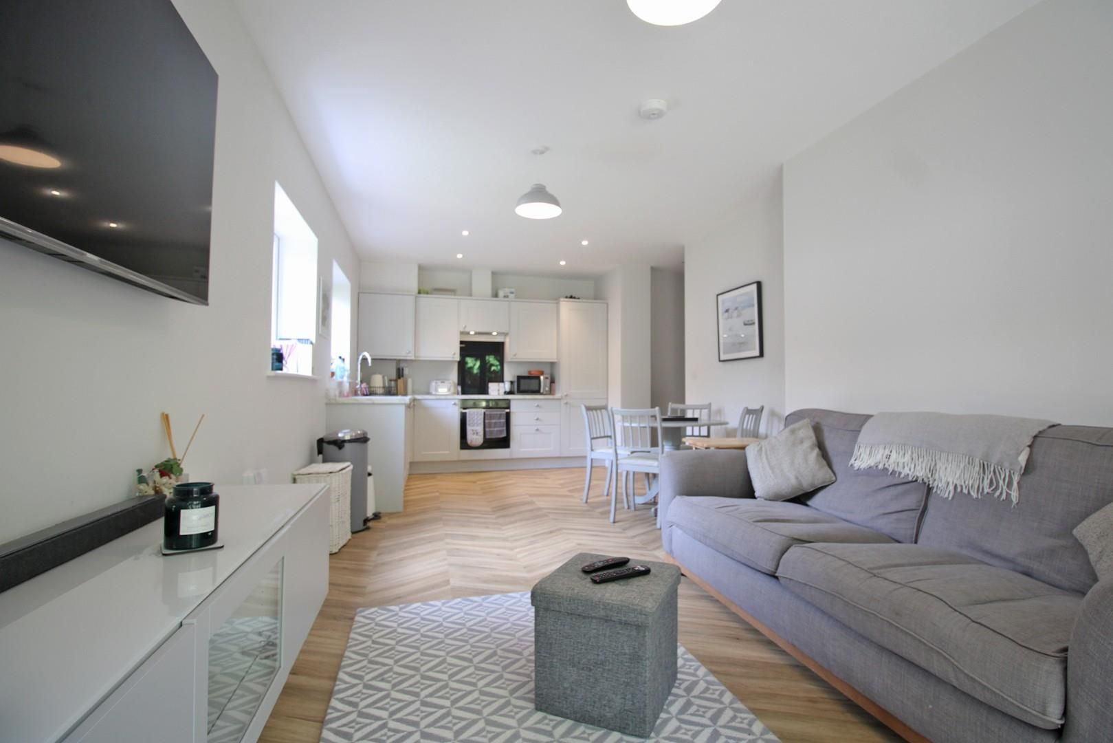 2 bed apartment to rent - Property Image 1