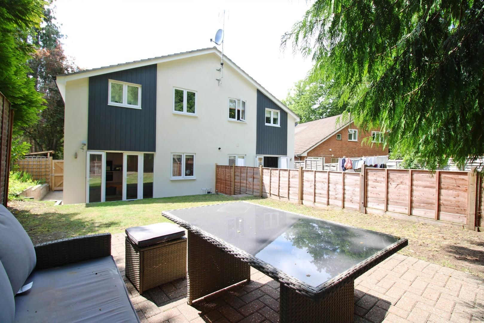 2 bed apartment to rent  - Property Image 2