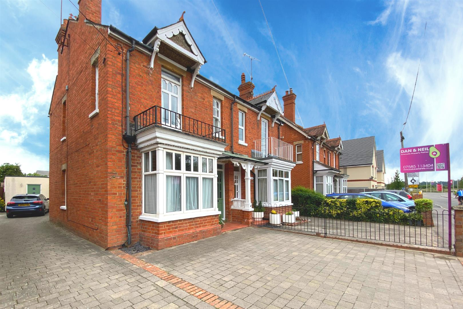 4 bed semi-detached for sale in Three Mile Cross, RG7