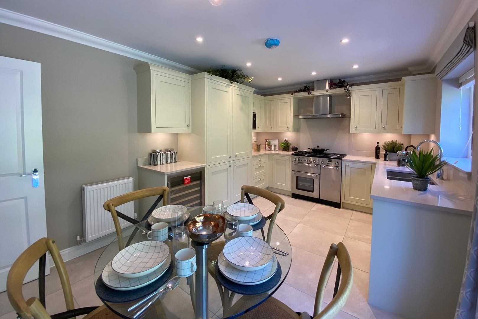 4 bed house for sale in Woolhampton 5