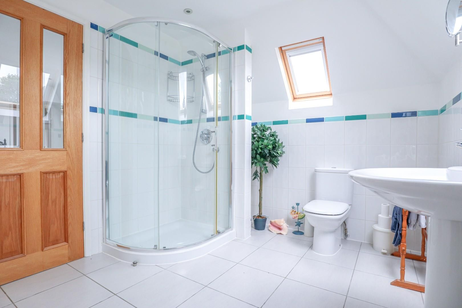 4 bed detached bungalow for sale in Send 12