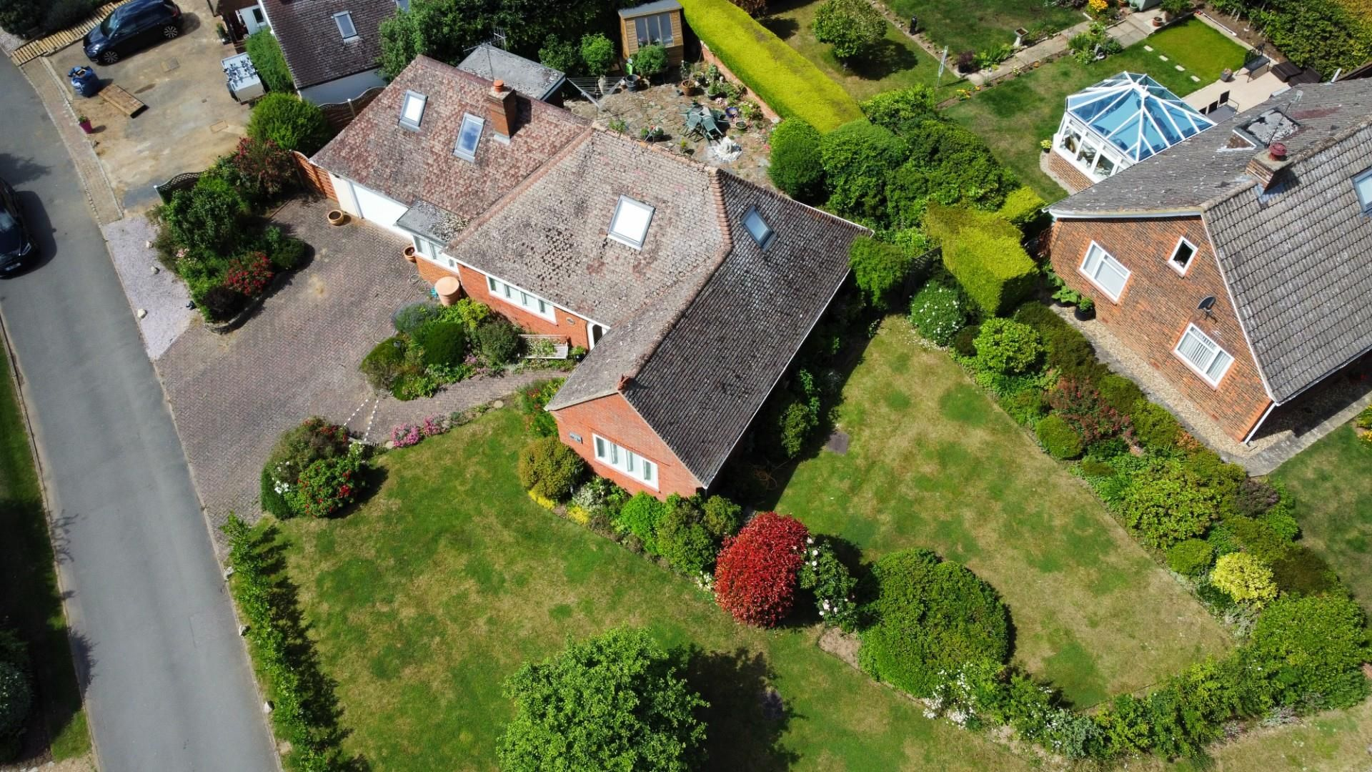 4 bed detached bungalow for sale in Send 20