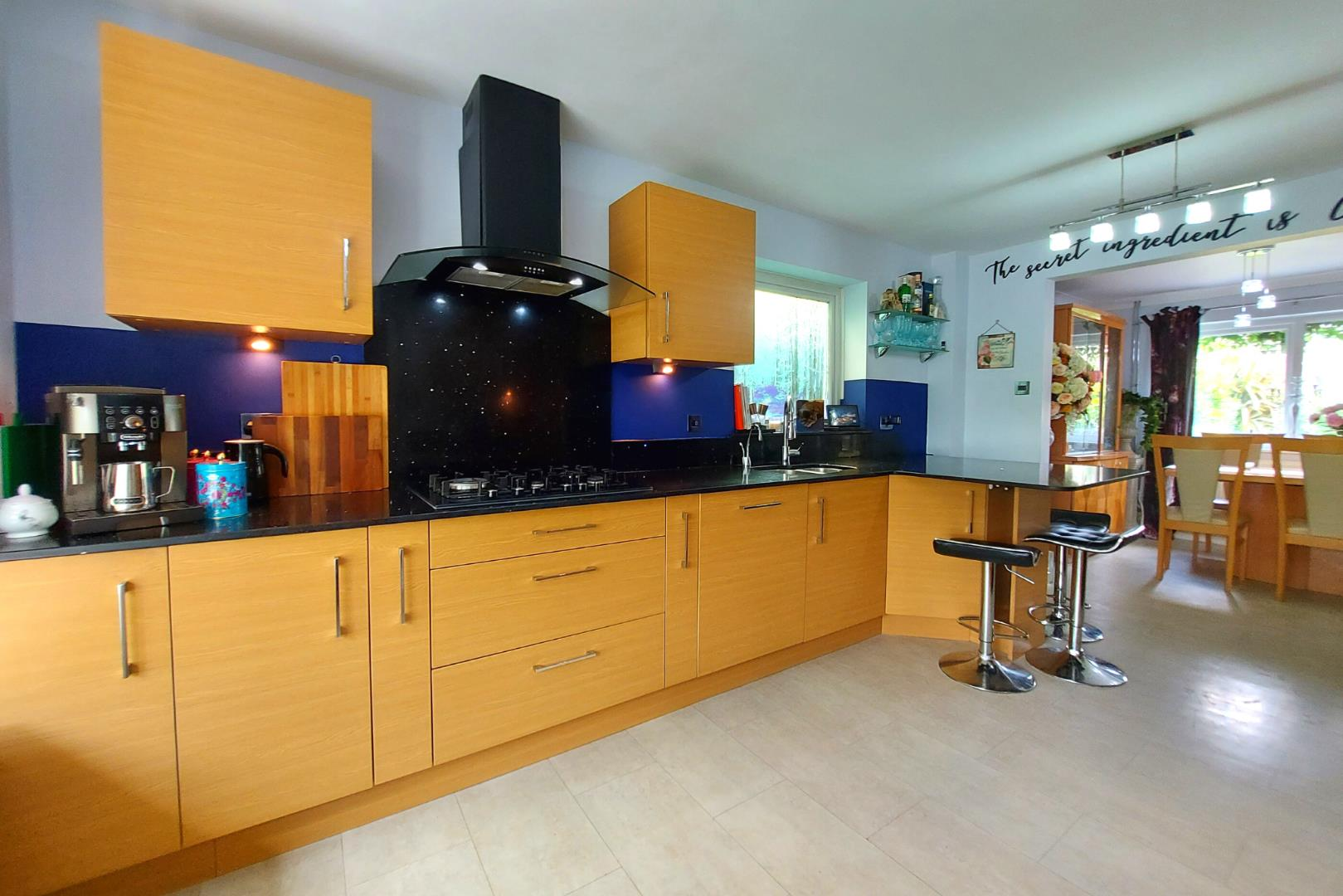 4 bed house for sale in Owlsmoor  - Property Image 2