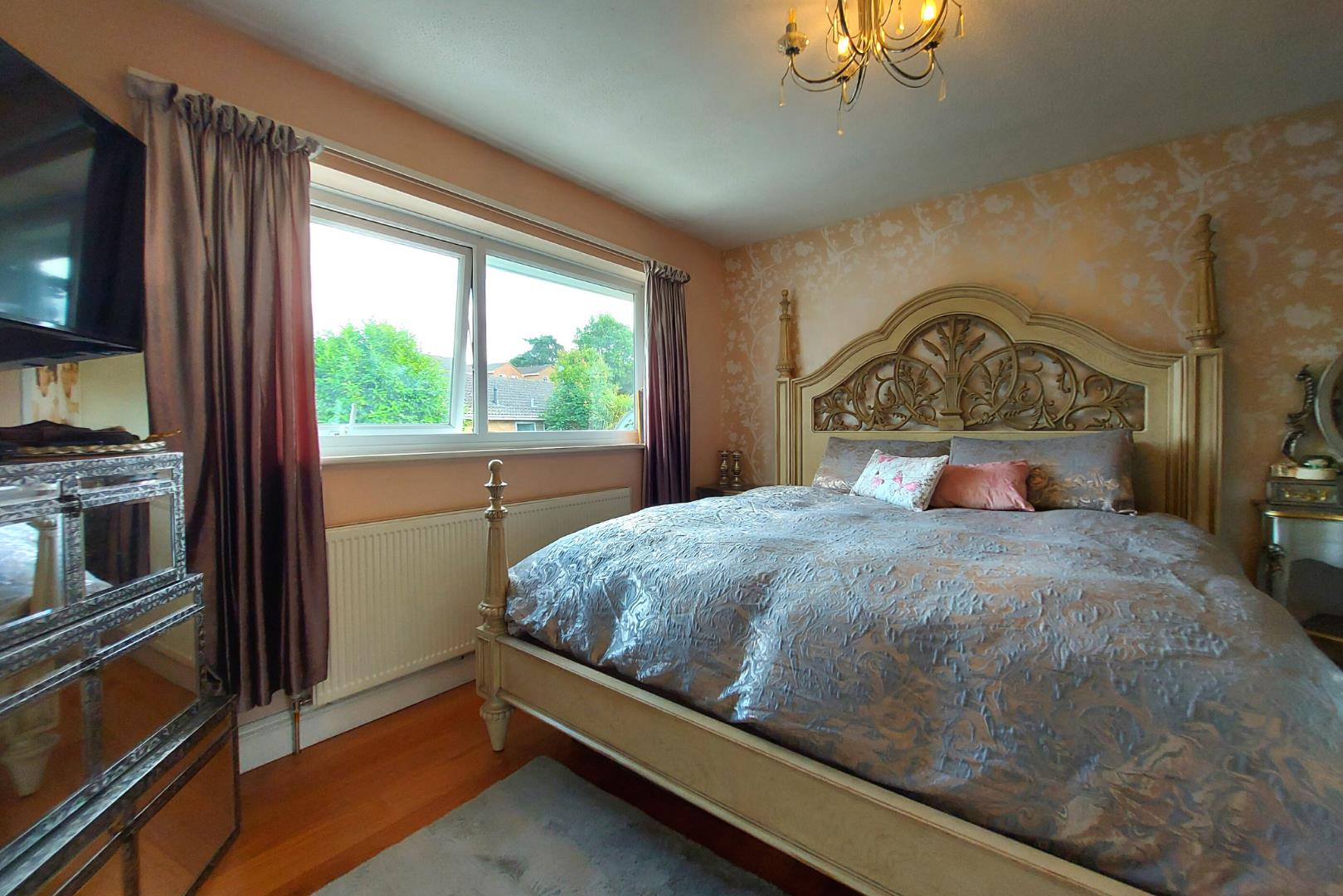 4 bed house for sale in Owlsmoor 11