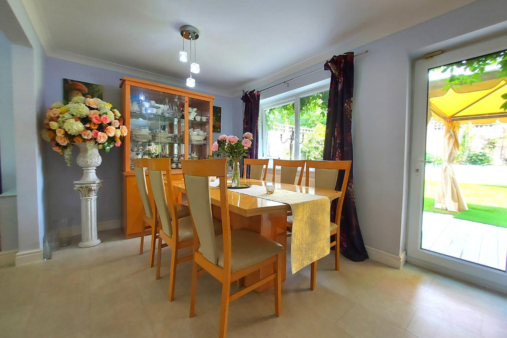 4 bed house for sale in Owlsmoor 4