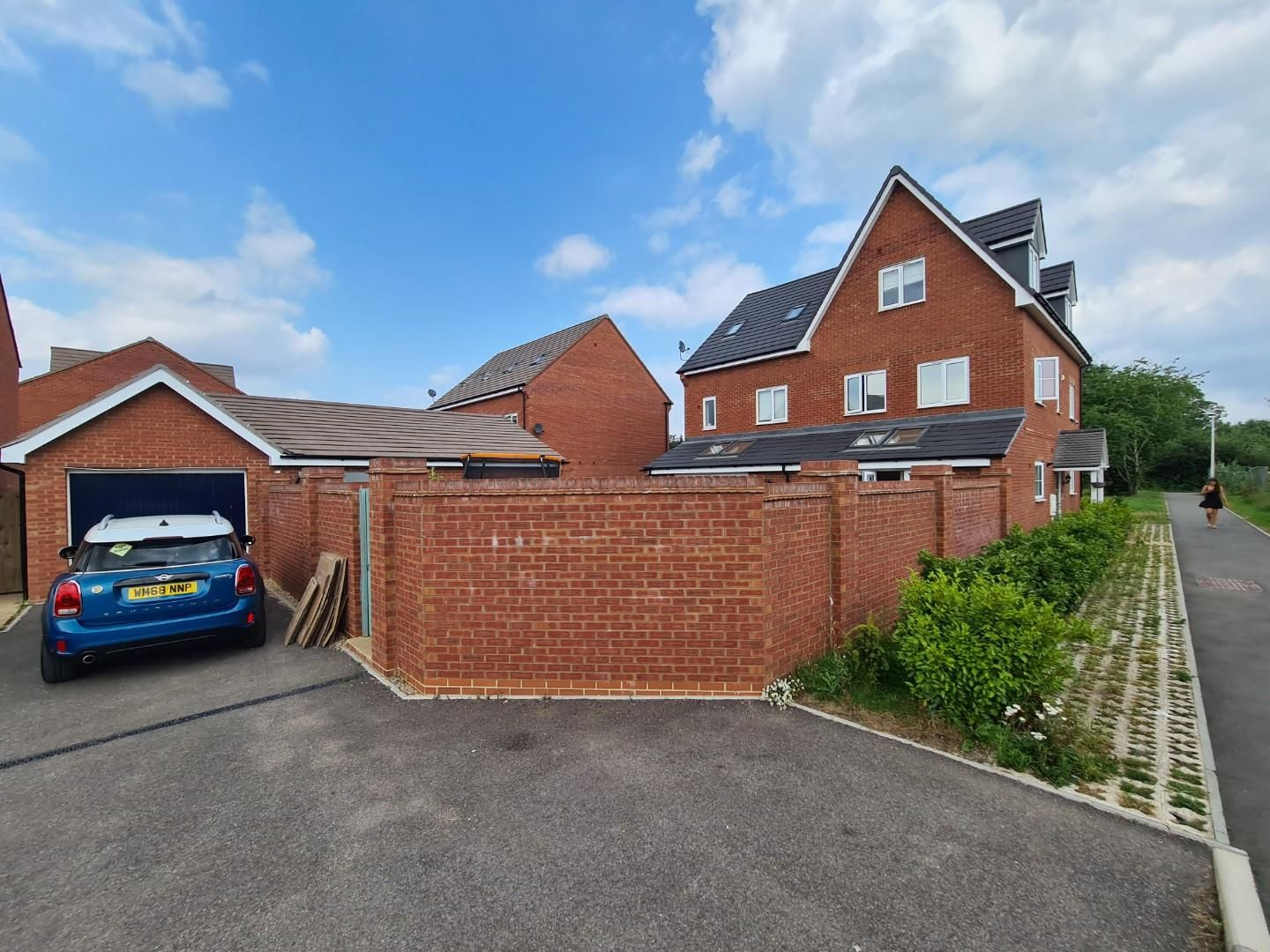 4 bed town house to rent in Shinfield 13