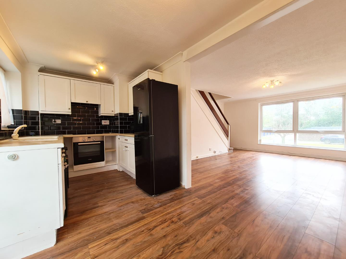2 bed maisonette to rent  - Property Image 3