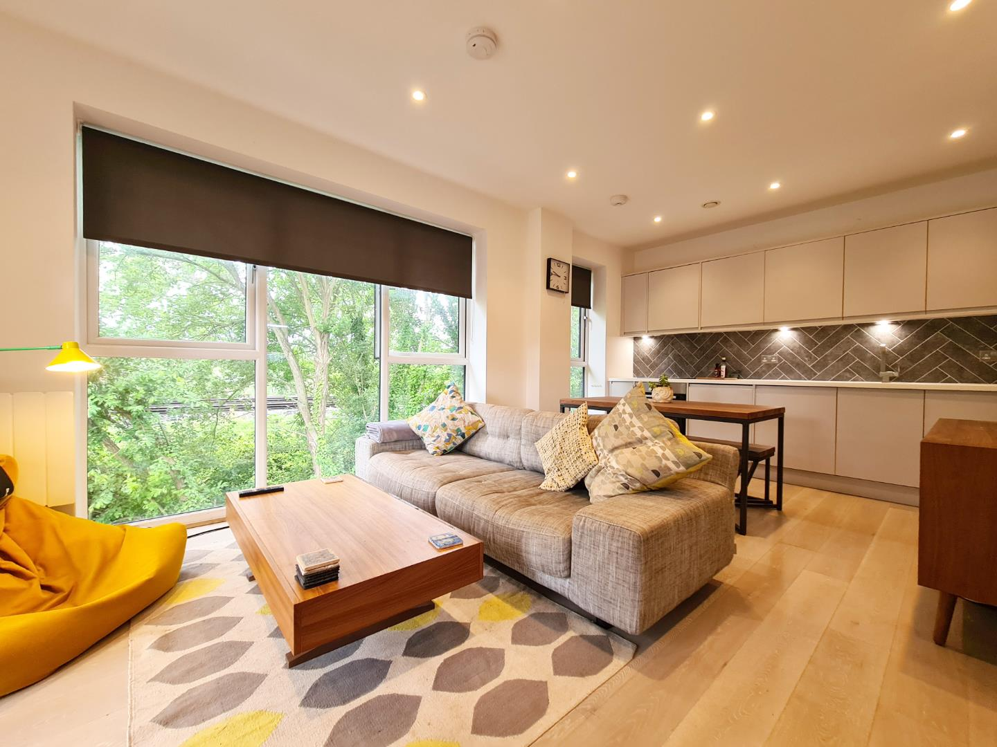 1 bed apartment to rent - Property Image 1