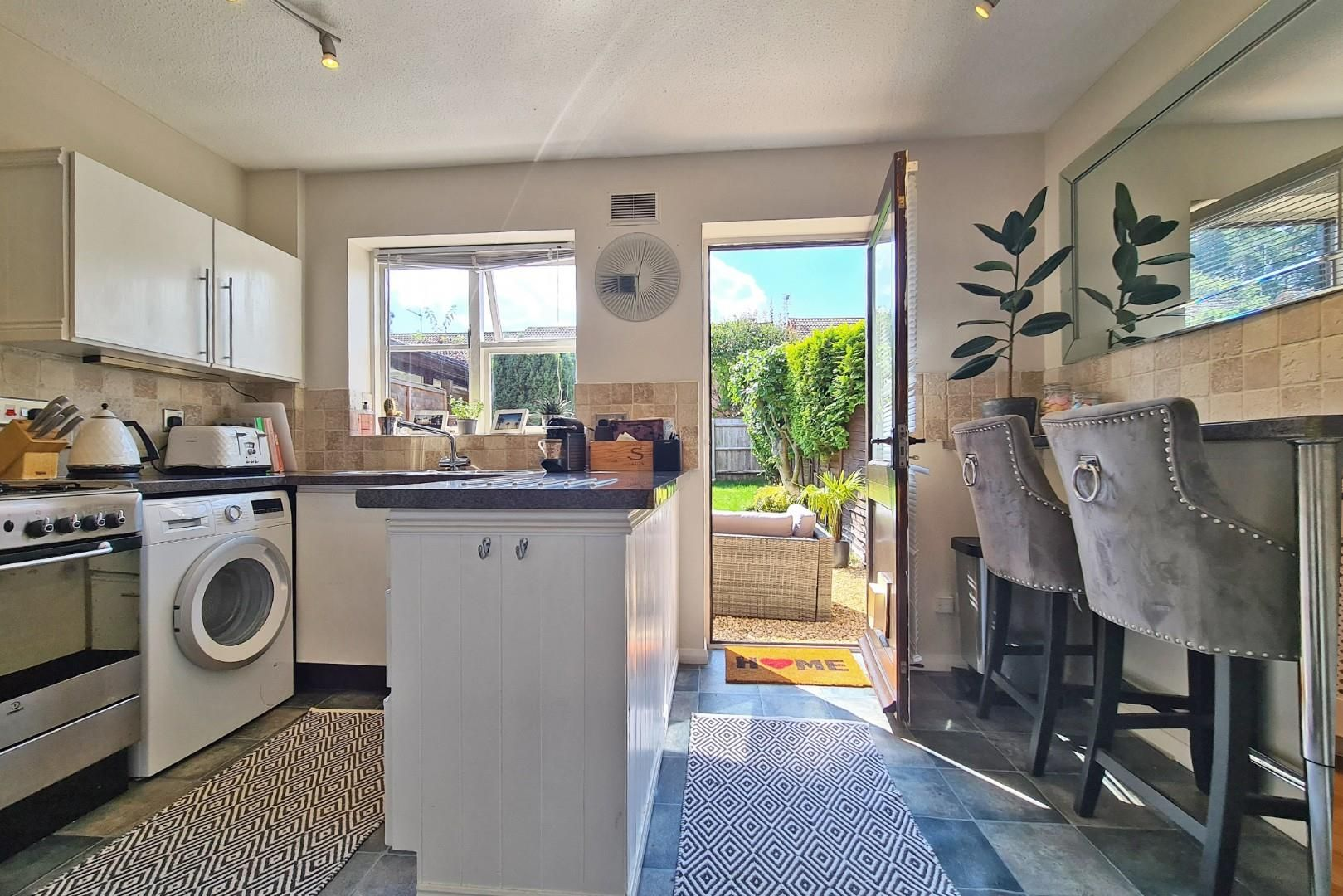 2 bed terraced to rent  - Property Image 5