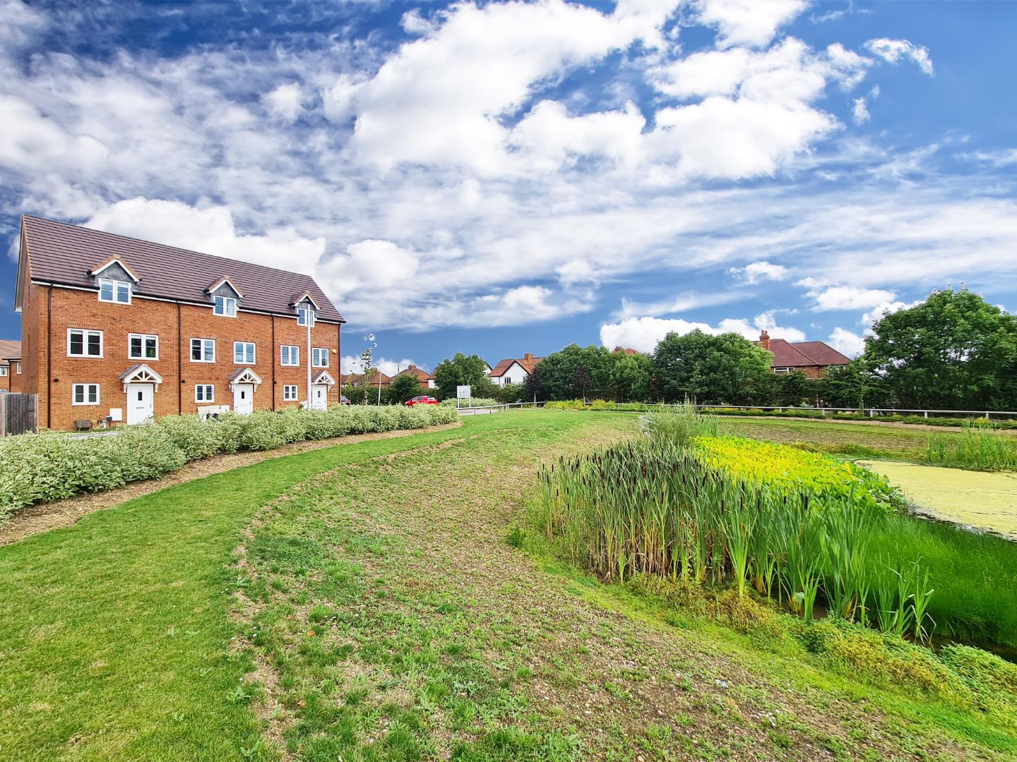 3 bed town house to rent in Shinfield - Property Image 1