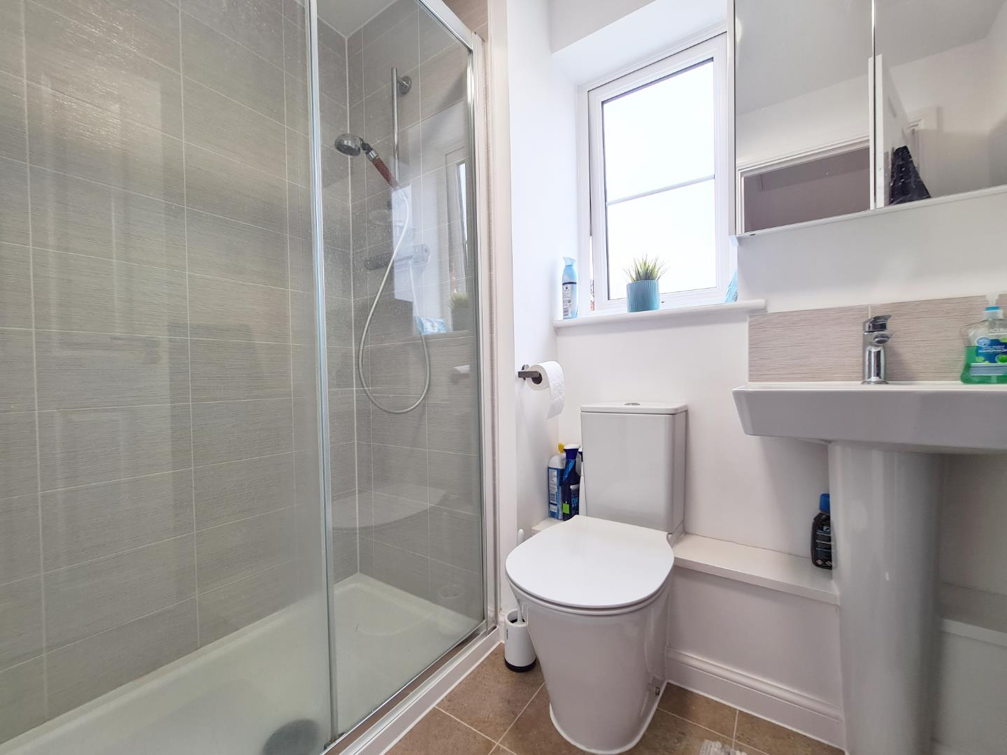 3 bed town house to rent in Shinfield  - Property Image 9