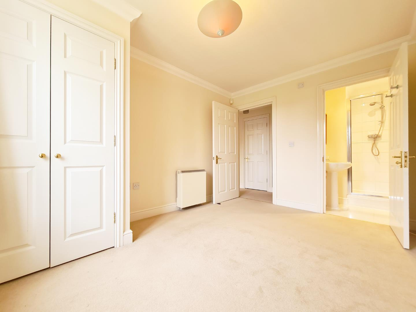 2 bed flat to rent  - Property Image 3