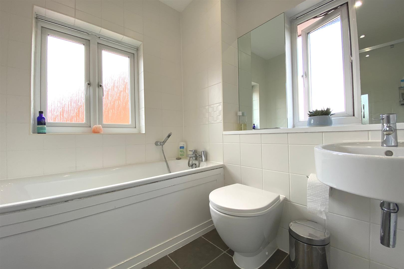 6 bed detached for sale in Lower Earley 11