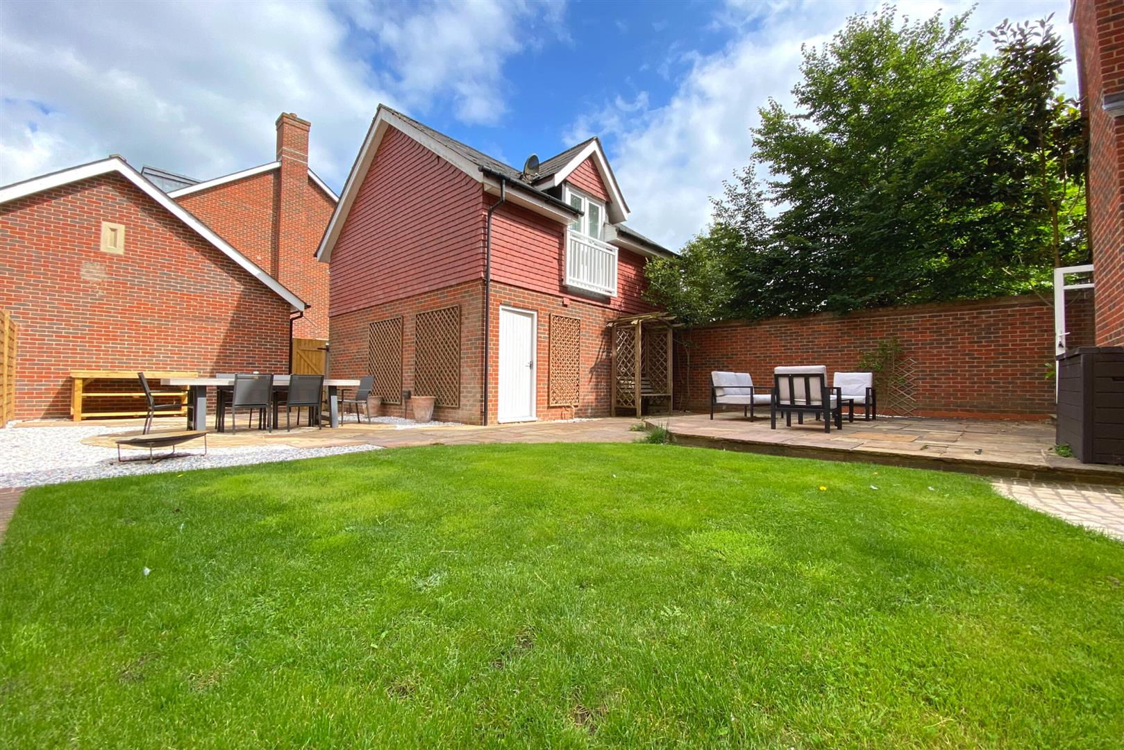 6 bed detached for sale in Lower Earley 30
